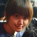 ストーリーシェア卒業生のマナミちゃん(武都 愛美)。お問い合わせ対応のインターンとしてセブのストーリーシェアで働いている。