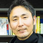ベルリッツで日本語講師を経験。カランメソッドを日本人向けにアレンジした独自のサイクルラーニングメソッドを開発。基本的に所在地不明だが、たまに学校にいる。ヒアリングせず、EOPと長時間授業を薦めてくることがあるので注意。ミオボーディングハウス(2007年)→エデンマイルス(2009年)→ストーリーシェア(2011年)