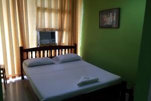 CEGAの宿泊ホテルはフィリピンのクオリティーでは良いほうだが、日本基準で見るとボロい。
