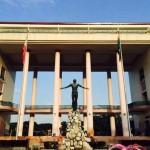フィリピンのスラム街は大学のキャンパス内にもある。夜は危険!