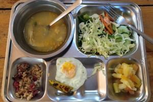 MONOLの食事はビュッフェスタイル。種類がすごい豊富でビックリしました。辛い韓国料理だけでないし、食事はかなり良い!