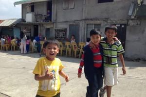フィリピンのタガイタイの子供達