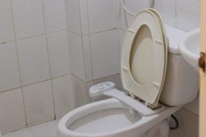 ZAマボロ校のトイレ、ウォシュレット付き