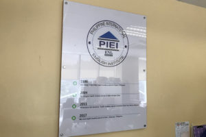 PIEIは1996年にバギオ、2004年に上海、2011年にマニラ、2017年にクラークに学校を設立